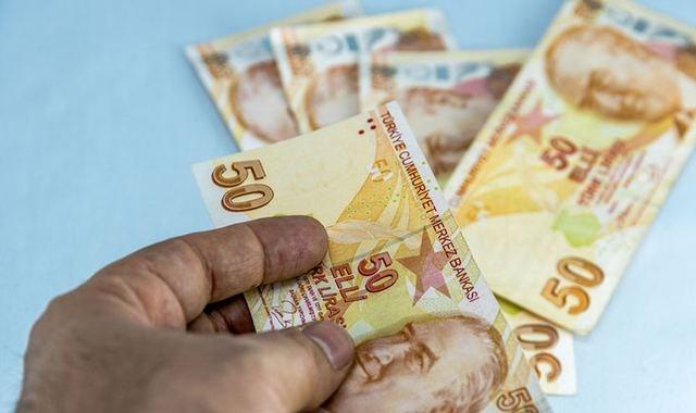 Yurt dışında çalışan vatandaşlar Türkiye de borçlanarak emekli olabilir