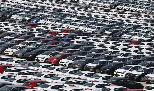 Hafif ticari araç pazarı Kasım da daraldı