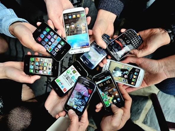 Telefonlara zam geliyor! Yeni fiyatlar dudak uçuklattı