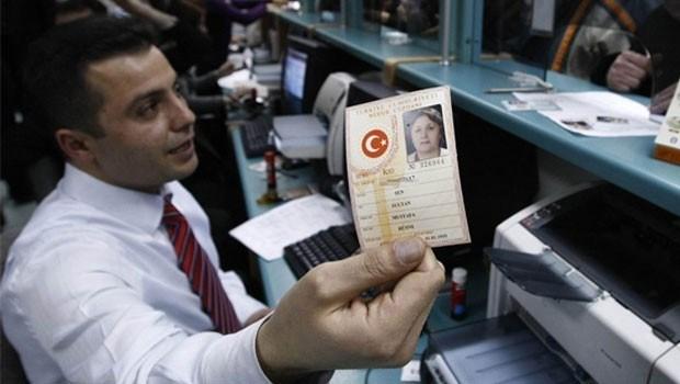 Nüfus cüzdanlarında devrim gibi değişiklik! O uygulama bitti