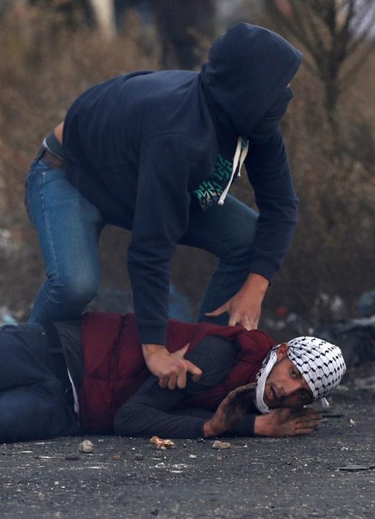 Son dakika... Filistin'den şok fotoğraflar! Yüzleri maskeli İsrailli askerl