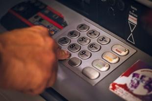 ATM lerde işlem ücreti tavanı 4 TL ye yükseldi