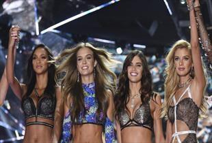 Korona Victoria s Secret ı da karıştırdı