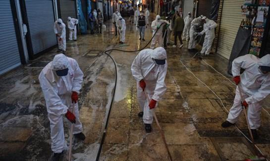 Kapalıçarşı dezenfekte edildi