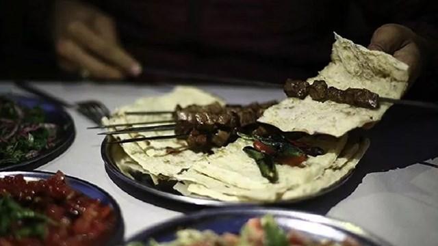 Turizm harcamalarında aslan payı  yeme ve içme ye ayrıldı: 15.6 milyar lira