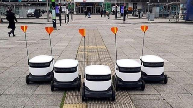 Robotlar sağlıkçıların emrinde