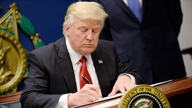 Trump ın imzası dünyayı coşturdu!