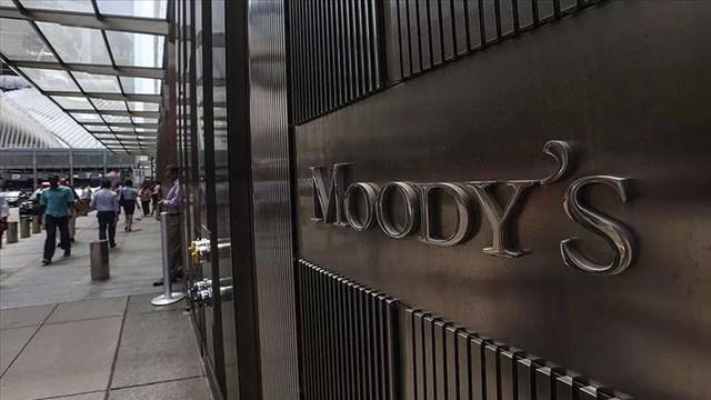 Moody s İngiltere nin kredi notunu düşürdü