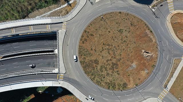 Karadeniz Sahil Yolu nun Trabzon geçişinde trafiği rahatlatacak projenin yüzde 60 ı tamamlandı