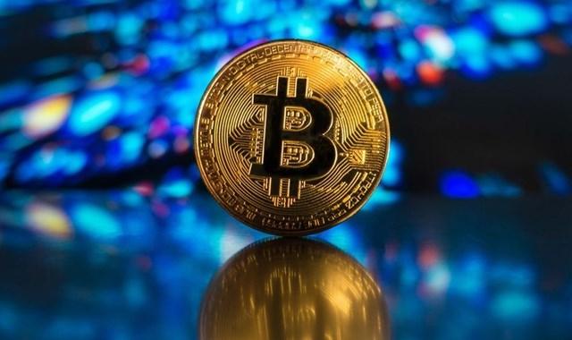 Bitcoin zirveyi görüp düşüşe geçti