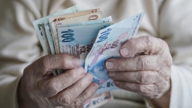 Emekliler zammı garantiledi
