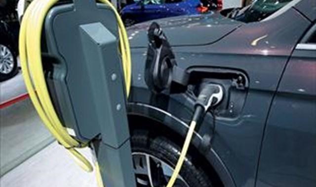 2032 ye kadar binek araçların yarısı elektrikli olacak